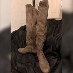 Style & Co. Women's faux suede boot sz11 Truffle